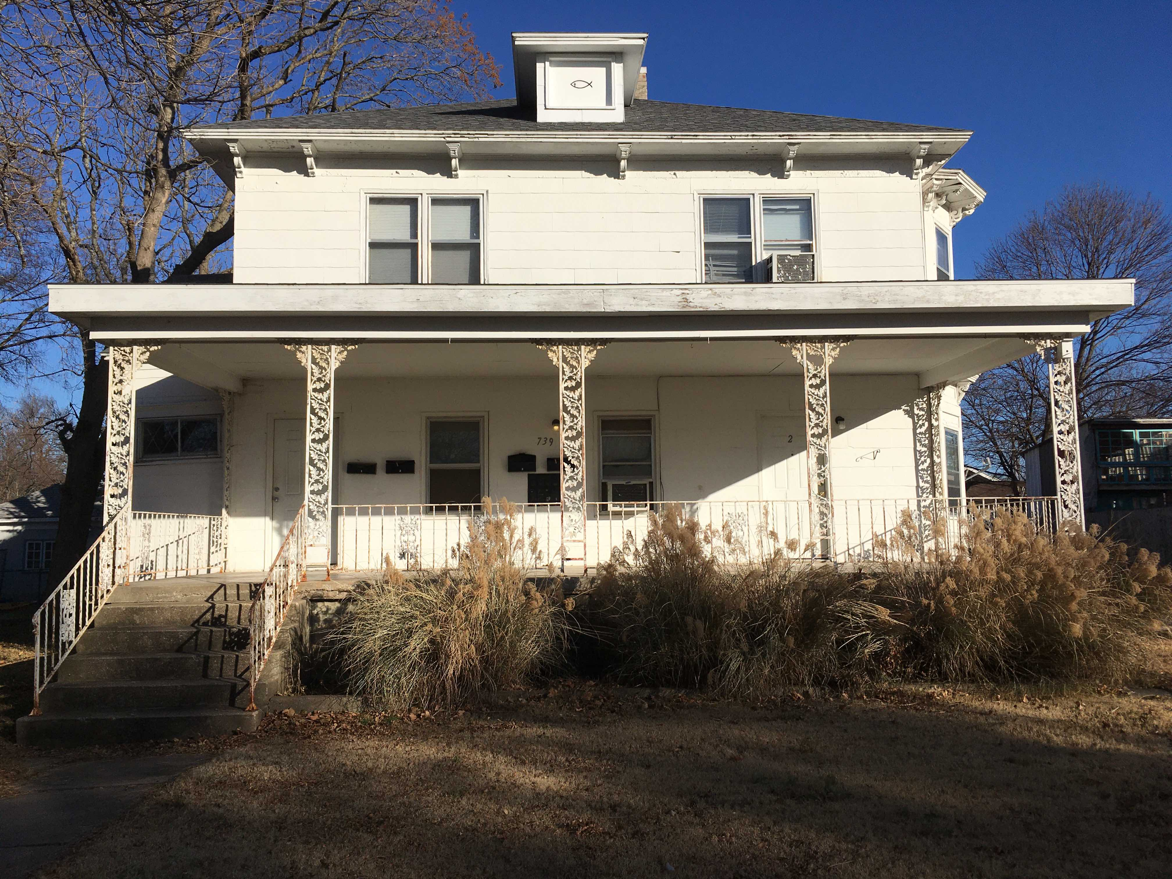 739 S. Crawford, Fort Scott, Bourbon County, Kansas, United States 66701, 2 Bedrooms Bedrooms, ,1 BathroomBathrooms,Apartment,For Rent,S. Crawford,2,1024